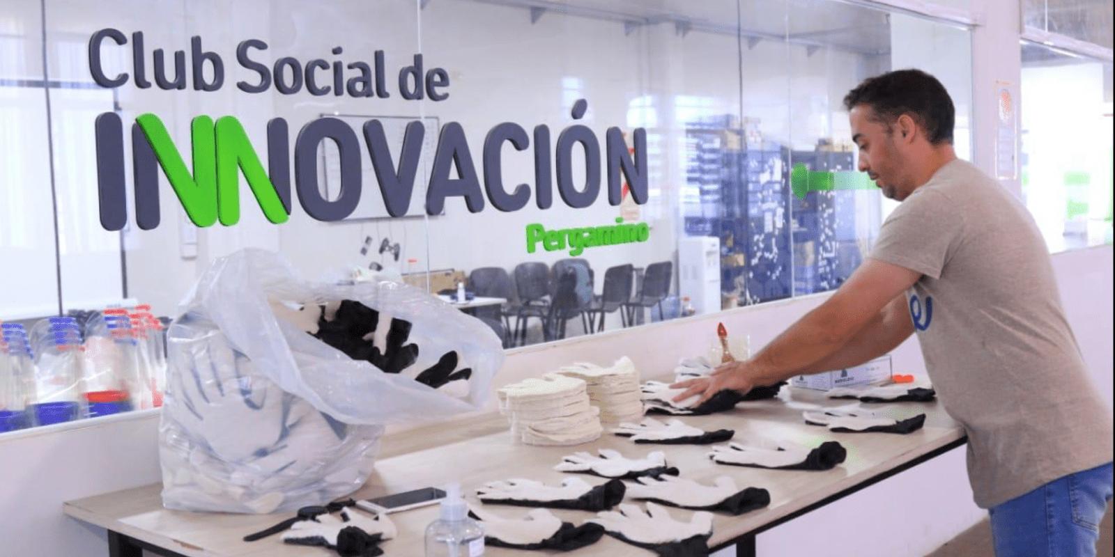 Se fabricaron más de 800 guantes que protegen y desinfectan al mismo tiempo 1