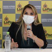 La presidenta interina de Bolivia Jeanine Áñez tiene Coronavirus 13