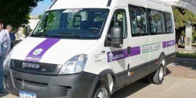 Desde hoy funciona un vehículo municipal entre Viña y Arrecifes 6