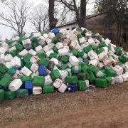 Leandro N Alem: Hallan cerca de 1600 envases vacios de agroquímicos 6