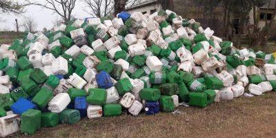 Leandro N Alem: Hallan cerca de 1600 envases vacios de agroquímicos 8