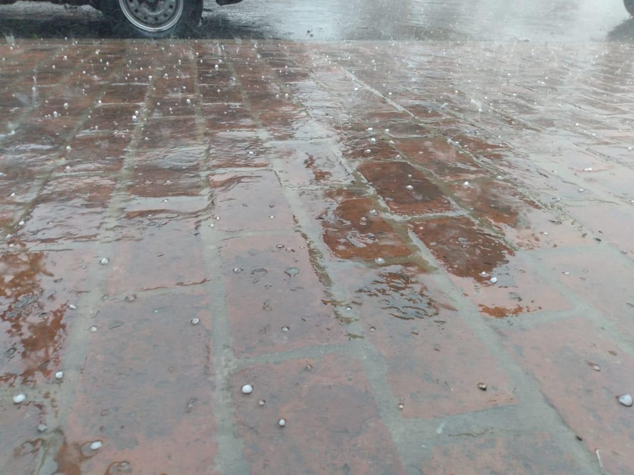 Tormenta con viento, lluvia y caída de granizo en Pergamino. Hablamos con Javier Villalba, director de Defensa Civil 2