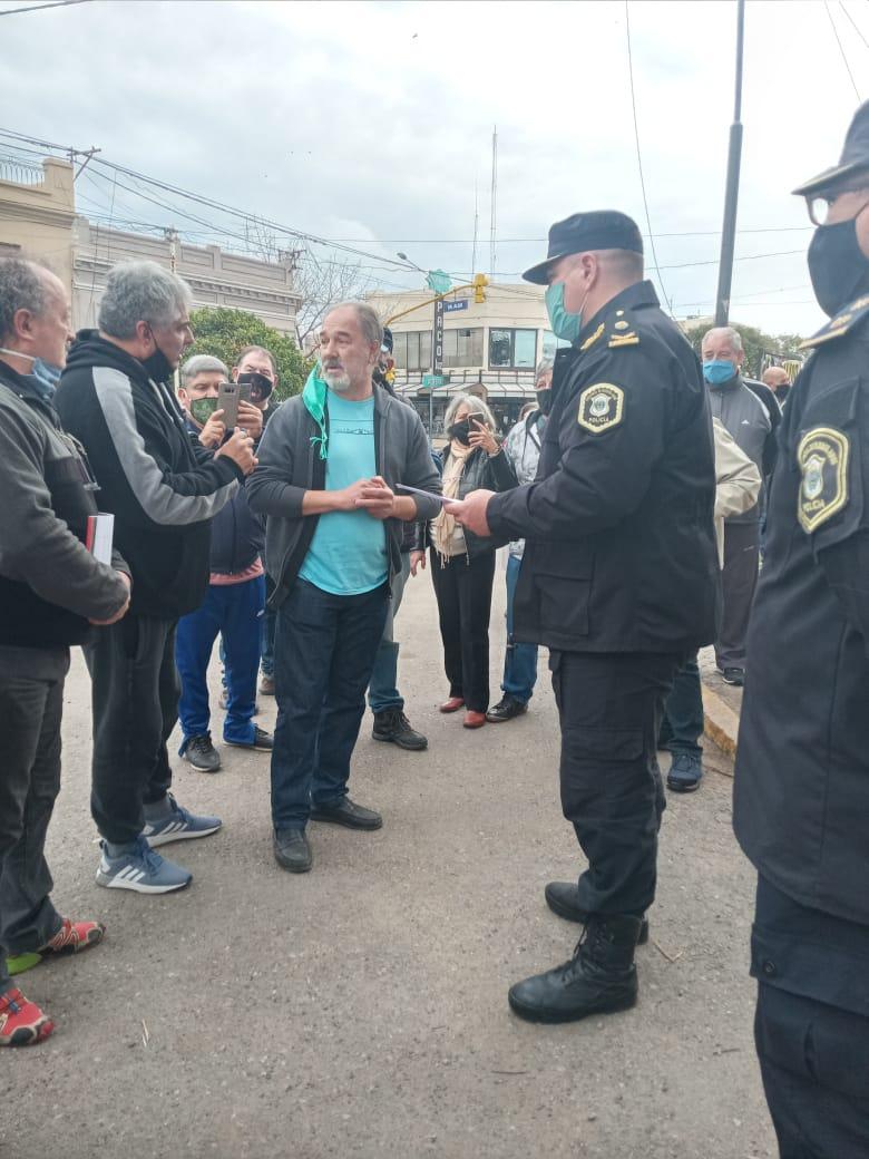 Continúan los reclamos de la Policía Bonaerense por mejoras en los salarios y en las condiciones laborales 1