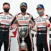 AUTOMOVILISMO: 24 HORAS de Le Mans: después de liderar por media carrera, Pechito López subió al podio 11