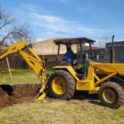 Comienzan la tarea para colocar una cisterna pars Barrios Desiderio De La Fuente y Ferroviario 4
