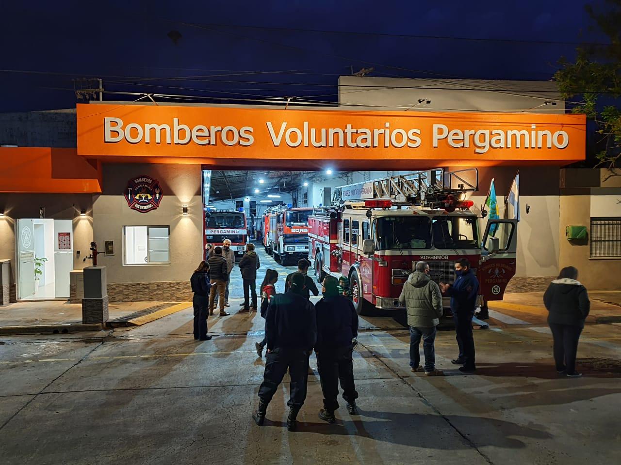 Bomberos Voluntarios volvió a poner en servicio la escalera de emergencias y presentó las reformas en el cuartel 4