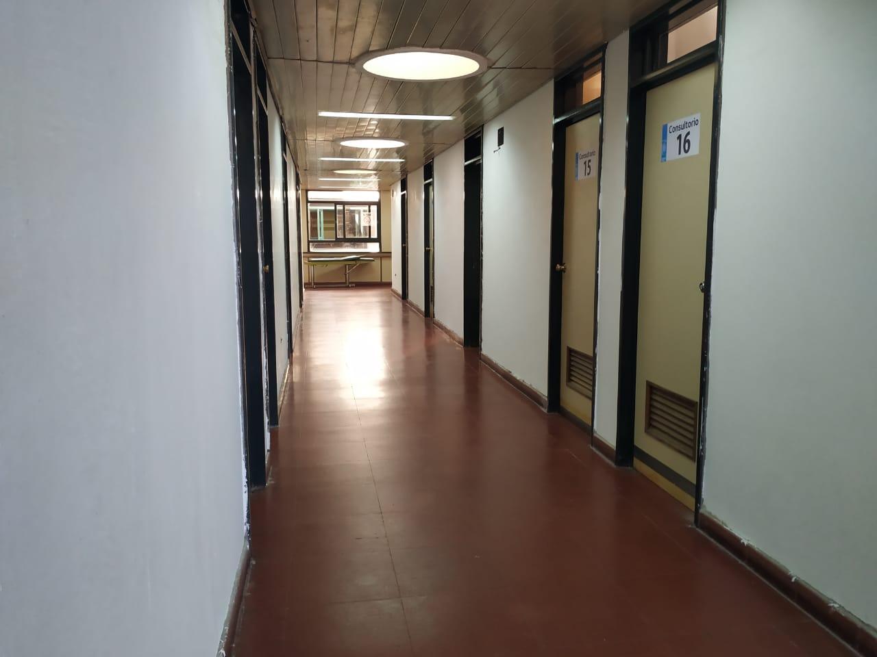 Continúa el Plan de Obra en consultorios externos del Hospital 2