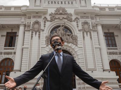 El Congreso de Perú destituyó al Presidente Vizcarra 2