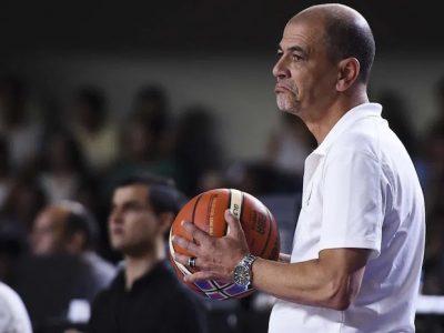 Sergio Hernández dejó de ser el entrenador de la selección argentina de básquet. 5
