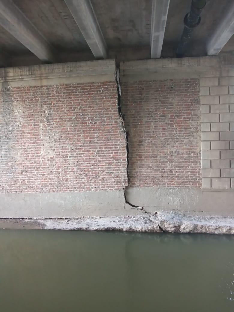 Los daños en el puente de Bv Colón 2