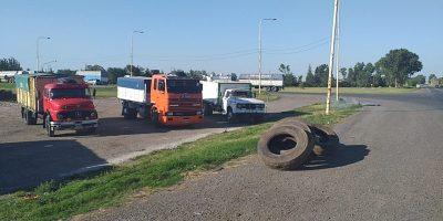 Protesta de camioneros en Ruta 188 y 32 8