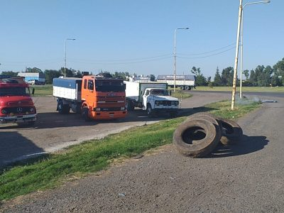 Protesta de camioneros en Ruta 188 y 32 3
