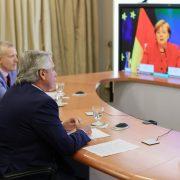 El Presidente dialogó con la canciller alemana Angela Merkel 15