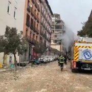 Fuerte explosión de un edificio en Madrid 12