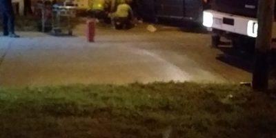 Un auto volcó e impactó contra el frente de una vivienda 7