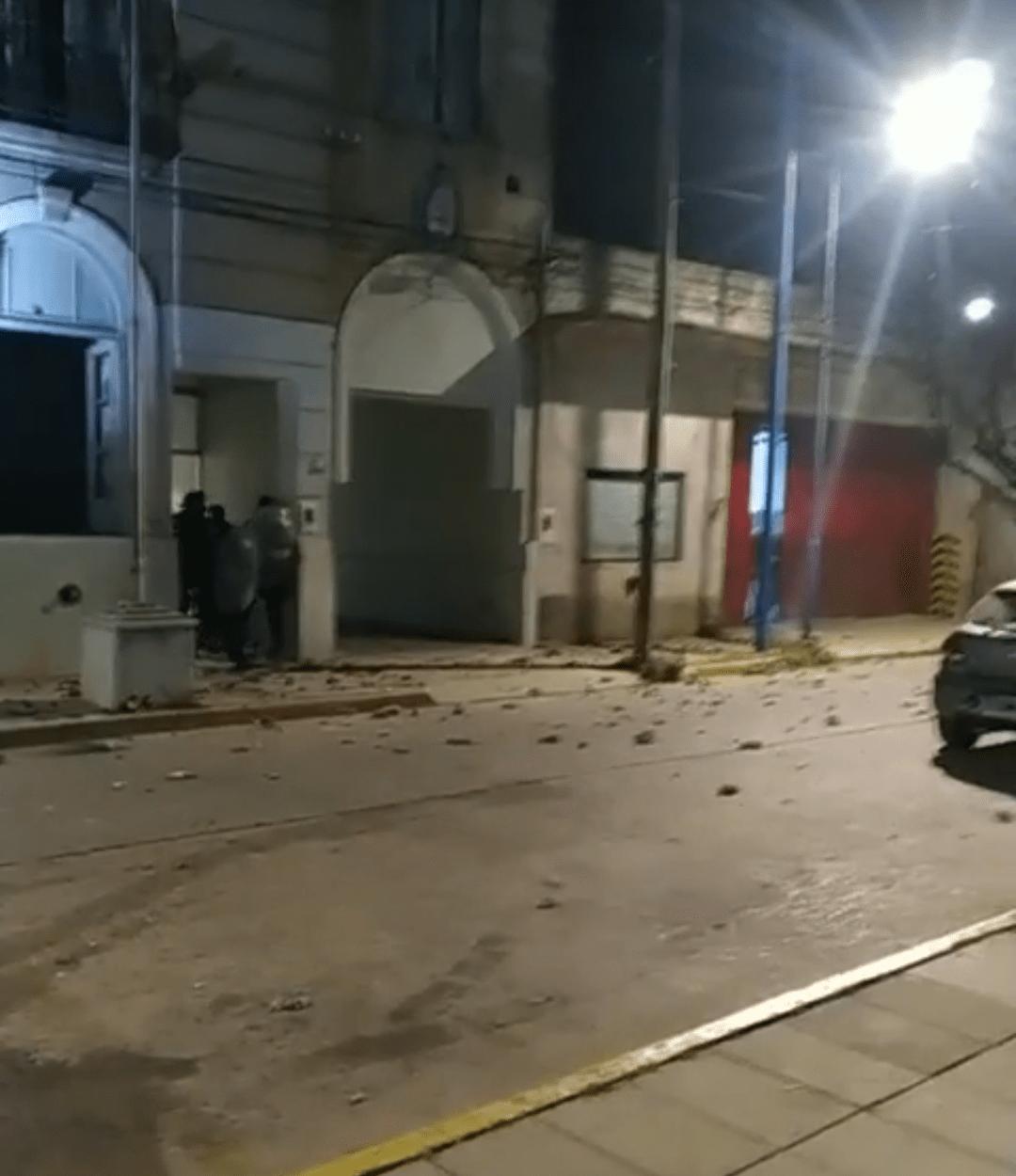 Rojas: Un efectivo policial aprehendido por el crimen de su expareja de 18 años 1