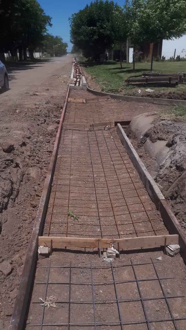 Acevedo completó cuatro manzanas de cordón cuneta y aguarda para nuevas obras en el pueblo 1