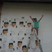 Mural sobre lengua de señas por el reconocido artista local Juani Méndez 14