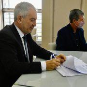 Alak firmó un convenio con la UNLP para implementar la Licenciatura en Gestión Penitenciaria 4