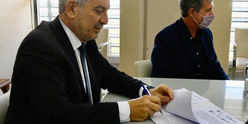 Alak firmó un convenio con la UNLP para implementar la Licenciatura en Gestión Penitenciaria 1