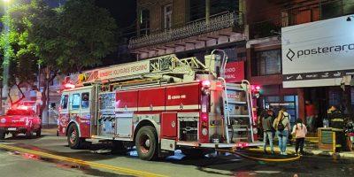 Incendio en local comercial de San Nicolás y Avenida De Mayo 8