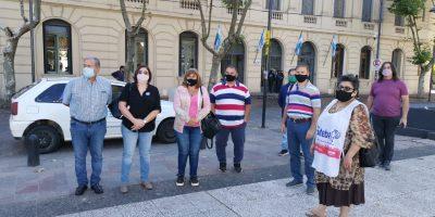 Representantes del FUDB, ATE y UPCN brindaron una conferencia de prensa desde la Plaza Merced 12