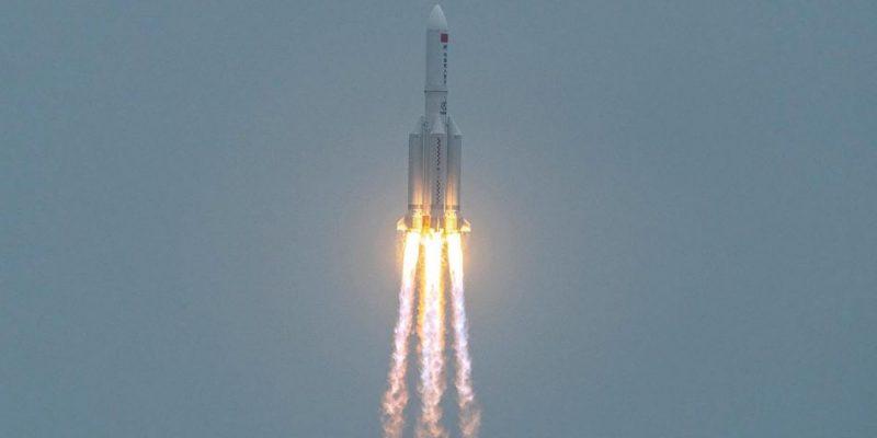 Los restos del cohete chino fuera de control ingresarán mañana a la tierra 1