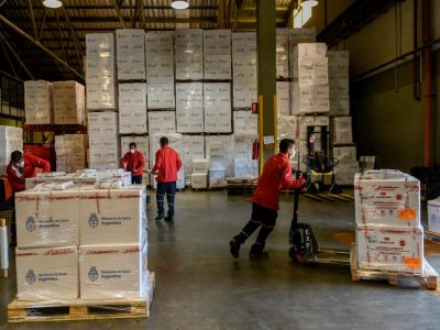 Comenzó la distribución de 768.800 dosis de Sinopharm que arribaron esta semana 4
