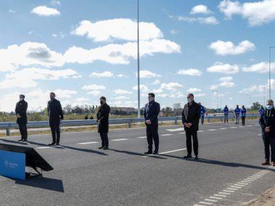 Detalle de la palabra de los funcionarios en la inauguración de la variante de circunvalación de la autopista 8
