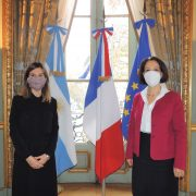Fernanda Raverta se reunió con la embajadora de Francia 59