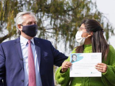 """Alberto Fernández presentó la segunda etapa de las becas Manuel Belgrano: """"Estas becas están programando el futuro de la Argentina"""" 2"""