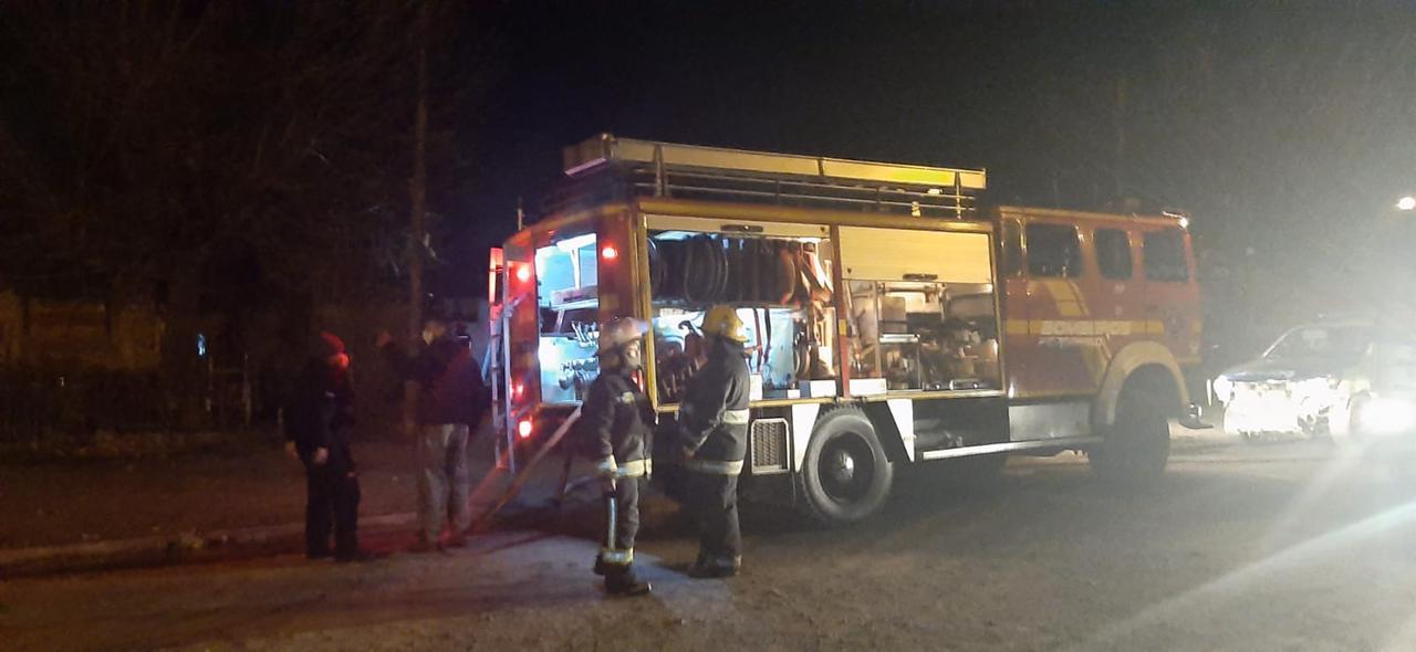 Se incendiaron 2 viviendas en Barrio Otero 3