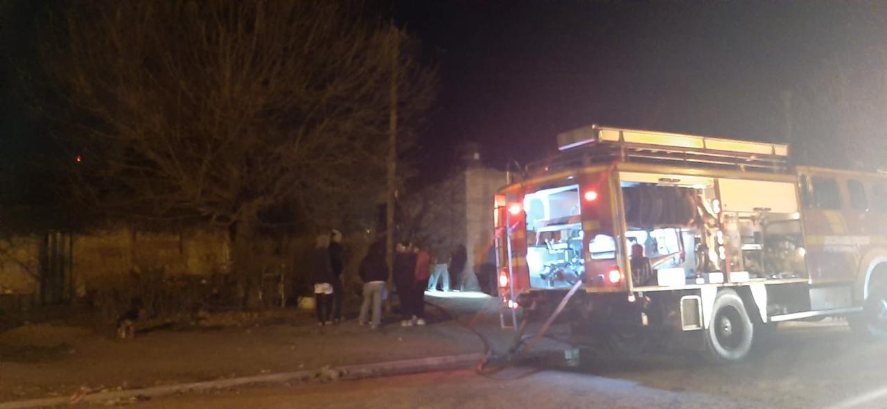 Se incendiaron 2 viviendas en Barrio Otero 1