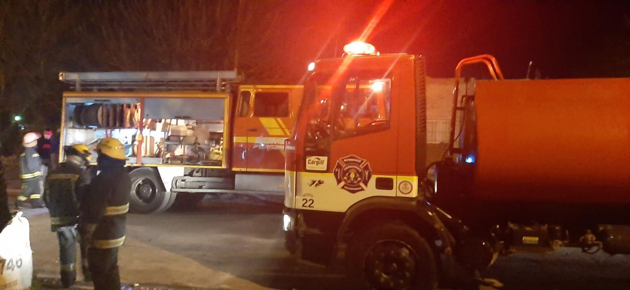 Se incendiaron 2 viviendas en Barrio Otero 2
