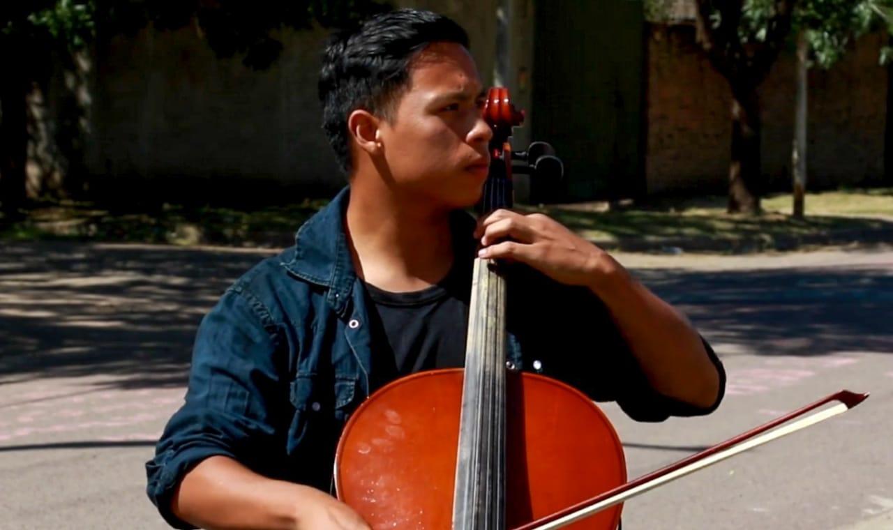 Dos integrantes de la Orquesta de Barrio Kennedy recibieron la Beca Martha Argerich 2