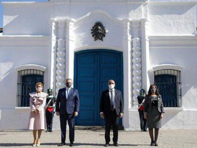 El presidente encabezó el acto por el Día de la Independencia en Tucumán 11