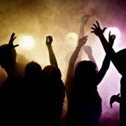 La policía intervino en una fiesta clandestina en barrio Acevedo 1