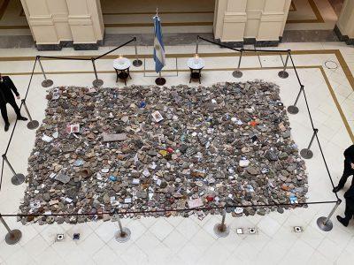 """""""Marcha de las piedras"""": el Gobierno construirá un espacio de memoria 5"""