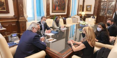 El Presidente recibió a familiares del policía de la Ciudad Arshak Karhanyan, desparecido desde 2019 8