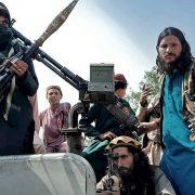 Pakistán cerró sus pasos fronterizos con Afganistán para evitar el flujo migratorio 4