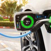 La venta de vehículos eléctricos creció un 133% interanual en los ocho meses del año 3