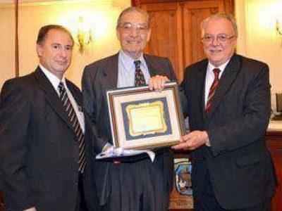 Dolor por el fallecimiento del Dr. Carlos Mosca 1