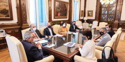 El Presidente analizó un proyecto de ley en beneficio de los trabajadores de la economía popular 6